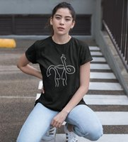 Divertente t shirt Utero Middle Finger Femminista donne magliette di cotone casual per signora Top Tee Hipster 6 colori Drop Ship NA-506