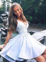 Nouveau mignon lumière ciel bleu graduation HOMECOMING robe sexy veau veau dentelle applique volants courts courts de bal robe cocktail robes de guiche personnalisée faite sur mesure