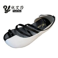 Sandalias BWB Spring y Summer Shoes para mujer Cuero Piso Femenino Split Toe Ninja Trotters Hollow Fashion Sello