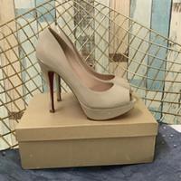 الكعوب العالية الصنادل الكعب العالي أحذية الزفاف العروس المرأة اللباس أحذية الكعوب الحمراء قيعان سميكة الصنادل المفتوحة تو Wholsale