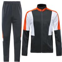 Şort üniforma Tracksuits geri dönüşümlü futbol formaları giyim Üniformalar ile 2019 erkek Kişilik Futbol Takımları popüler Çevrimiçi stilleri alışveriş