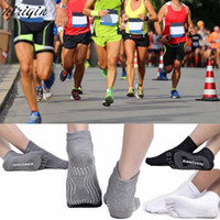 % 100 Pamuk Profesyonel Kaymaz Yoga Çorap Erkekler Kadınlar Pilates Yoga Burun Fiver Parmak Çorap Spor Yoga Tutma Çorap Yarım Parmak