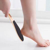 Bois Pied peau Pied propre Scruber peau dure Remover Pédicure Pinceau sain Pieds peau morte Remover Soins des ongles outil RRA1434