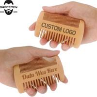موك 50PCS LOGO مخصص جهين مشط خشبي للاللحية مشط رئيس الشعر الخشن الجميلة الكمثرى الخشب فرشاة الشعر حسب الطلب LOGO الجيب كومز