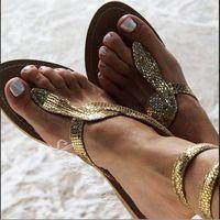 Calzado de mujer Tabla de conversión del tamaño internacional 2019 verano nuevo estilo sandalias de fondo plano serpiente patrón de gran tamaño Eu 43