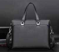 Nouveautés Hot Brand Designer hommes épaule Porte-documents en cuir noir Designer Sac à main Hommes d'affaires Sac pour ordinateur portable Messenger Bag