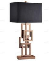Postmodern Semplice Lampada da tavolo artigianale di lusso Creativo LED Desk Lampada da scrivania morbida Modello Soggiorno Lampada da tavolo LLFA