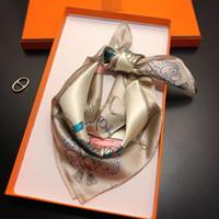 Sciarpa di seta di primavera Sciarpa calda Lettera Lettera Scialle Sciarpa Fashion Neck Anello Regalo di Natale all'ingrosso