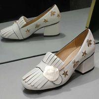 Brand Design Quaste Frauen Kuhleder Chunky hohe Absätze arbeiten Bee goldene Schnalle pumpt Dame Bürokleid Brautschuhe Einzel Schuh 35-41