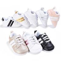 Zapatos de bebé zapatillas de cuero de la PU recién nacido bebé cuna zapatos niños niñas infantil niño pequeño suela suave primero caminantes