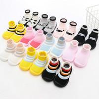 Baby Fashion Forma Primeiro Anda de Bebé Menino Menino Designer Stripe Socks Kids Luxo dos Desenhos Animados Sapatos Primeiros Andares 32 Estilos Hot Sell