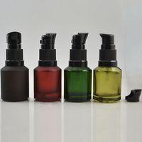 Emballage bouteilles 15 ml de vaporisateur de verre bouteille rouge émulsion rouges conteneurs flacon vert vides cosmétiques brun pompe portable pompe essentielle