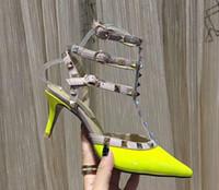 Kadınlar Kadın Yüksek Topuklar Nü Moda Bilek sapanlar Perçinler Shoes Seksi Yüksek Topuklar Gelin Ayakkabıları sandal Düğün Ayakkabı