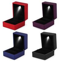 LED iluminado Jóias armazenamento caso Colar Anel Brinco Pulseira presente LED Box Lighted Jewelry Box Display Case CNY987 quente