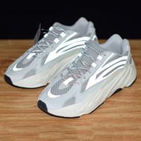 sports shoes 7c209 6a307 2019 New Boost 700 v2 Zapatos de diseñador para hombre estáticos 3M Kanye  West 700 v2