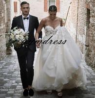 Vestidos de novia de playa 2019 Spaghetti Neck Sweep Train Sin mangas 3D-Apliques florales Vestido nupcial vestito da sposa Por encargo
