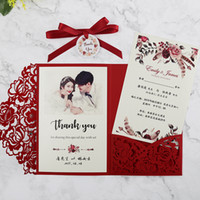 새로운 도착 붉은 꽃 인쇄 결혼식 초대장 결혼식 초대장 레이저 컷 포켓 RSVP 카드 및 태그와 함께 성인식을 위해 초대