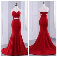 Sexy Sweetheart Satin Rouge Robes De Pal Plis Bust Balayer Train Sirène Robes de bal Mermaid Navel a montré une robe noire officielle Vestidos de novia