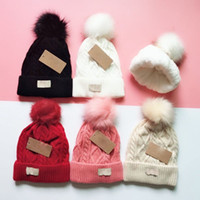 2020 Nieuwe Klassieke Knit Mutsen Fleece Inside Design Weave Caps Top met Fluff Ball Mooie hoofddeksels Groothandel