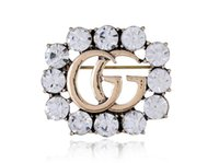 nuova spilla da donna hollow full diamond accessori abbigliamento lettera pin spilla festa da ballo 158