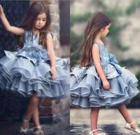 Einzigartige Entwurfs-Baby-Kind-Blau Tiered Tutu Kurz Festzug Kleider Prinzessin 2020 Glitz Tüll Puffy Blumen-Mädchen-Kleider Dubai formalen Partei-Kleid