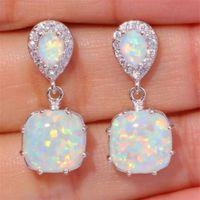 Opal Drop boucles d'oreilles pour les femmes Imitation de feu Opale Pendientes mariage Boucle d'oreille Bijoux Brincos Cadeaux Couleur Argent Boucle D'oreille