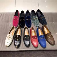 Entwerferkleidschuhe 100% Leder Metallschnalle Luxus Flache beiläufige Schuhe der Frauen Alphabet Samt Männer Klassische Trampel Faule Bootsschuhe Größe 34-45