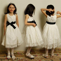 vestido de aniversário das flores da Flor vestido para a menina O-Neck Primeira Comunhão Vestidos Feito à Mão vestido preto Sash Prom Dress baratos Pageant