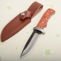 Couteau droit de survie de qualité supérieure faite à la main pure de milliers de couches en acier, lame de point de chute, poignée en bois, avec gaine