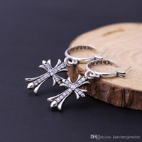 Marka yeni 925 ayar gümüş küpe vintage Amerikan tarzı tasarımcı takı antik gümüş kadınlar için çapraz Dangle Avize hediye
