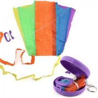 Portátil Bolsillo plegable Flying Kite Kid Juguete Estuche de almacenamiento Deporte al aire libre Regalo de los niños Multicolor Solo Pequeñas Cometas TTA154