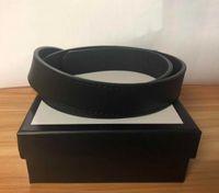2020 hommes / femmes de ceinture Femmes de haute qualité véritable Couleur Noir et blanc en cuir de peau de vache ceinture pour la ceinture des hommes avec la boîte originale