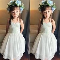Halter tulle bianco del merletto ragazze di fiore Abiti da sposa ragazze di spettacolo Abiti abiti convenzionali vestidos de noiva