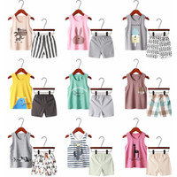Crianças Vest Vestuário Define 28 Styles Meninos dos desenhos animados Imprimir Casual Outfits mangas Tops + listrado Shorts 2Pcs / Set Suits Moda Infantil M1787