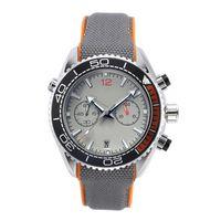 Montres Neuf en cours Chronomètre Montres Hommes cool Montres-bracelets étanche Calendrier d'affaires Quartz Mode Hommes Montre cadeau