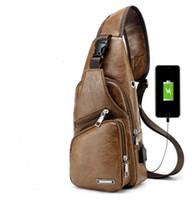 Herren USB-Lade Brusttasche Umhängetaschen Designer Messenger Schultertasche Diagonal Brust Packung USB-Reise-Rucksack mit Kopfhörerloch