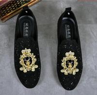 Nueva venta superior de los hombres encantadores brillo rhinestone bordado abejas pisos zapatos de vestir boda masculina regreso a casa del novio de noche zapatos de la estrella DA01