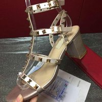 الساخنة الأحذية بكعب عالي بيع محطة أوروبية ذات جودة عالية حذاء جديد العلامة التجارية 35-41 حذاء كعب سميك مبيعات المصنع مباشرة الشحن المجاني