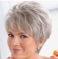 SPEDIZIONE GRATUITA + ++ Bella signora parrucca donna breve parrucca  diritta grigio argento capelli sintetici ef1f2d75b509