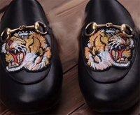 المتسكعون أحذية البغال النعال 2020 ساخن أزياء النساء أحذية عارضة Fur100٪ الحيوانات حقيقي جلدي النعال سلسلة برنستون المعدنية جلدية