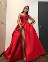 Red Satin A Line Puffy Party Party Suknie Ruched Bez Ramiączek High Side Split Długi Prom Dresses Tanie Maid of Honor Dress