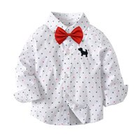 Cute Boys Gentleman Bow Bianco Camicie Tees Cartoon Crown Stampa Top Western Fashion Bambini Ragazzi Fashion Spring Autumn Blouse