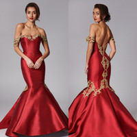 Rouge sirène de bal Dresse Encolure à manches courtes en satin Applique Parti Robe froncée balayage train robes de soirée