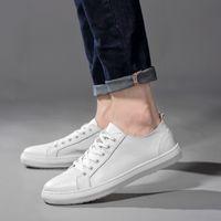 الرجال الأحذية الجلدية حقيقية حذاء رياضة حذاء عرضي الأخفاف شقة السببية الرجال outdoot ذكر الأحذية مصمم رجالي 2019 الجديد