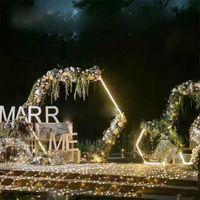 La boda de los apoyos de la boda de diamante arco hexagonal forjado arco estantería de hierro decoración del partido carretera contexto plomo artificial soporte floral del oro