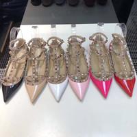 2019 새로운 고급 패션 디자이너 신발 리벳 높은 뒤꿈치 여성 샌들 가죽 6 개 컬러 드레스 신발을 지적