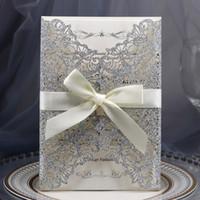 Plata Glitter Láser Corte la invitación de boda con arco y sobre, Corte laser Invitaciones para la tarjeta de fiesta de graduación de cumpleaños de quinceañera de boda