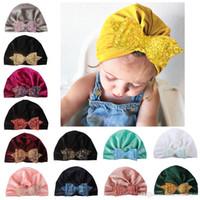 13 Renkler Bebek Headwrap Pleuche Türban Şapka Sequins ile Yay Yenidoğan Bebek Ilmek Sıcak Hindistan Şapka Kap Çocuk Noel Parti Hediyeler Fotoğraf