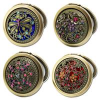 Retro scavi pieghevole trucco dello specchio di bronzo Mini specchio della tasca del fiore di farfalla del pavone inciso Cosmetic Compact Specchi HHA1043