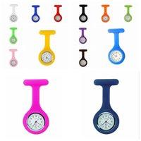 Presentes 120pcs Natal Promoção enfermeira colorido RRA3103N broche Fob túnica relógio de bolso da tampa do silicone Nurse Relógios favor de partido